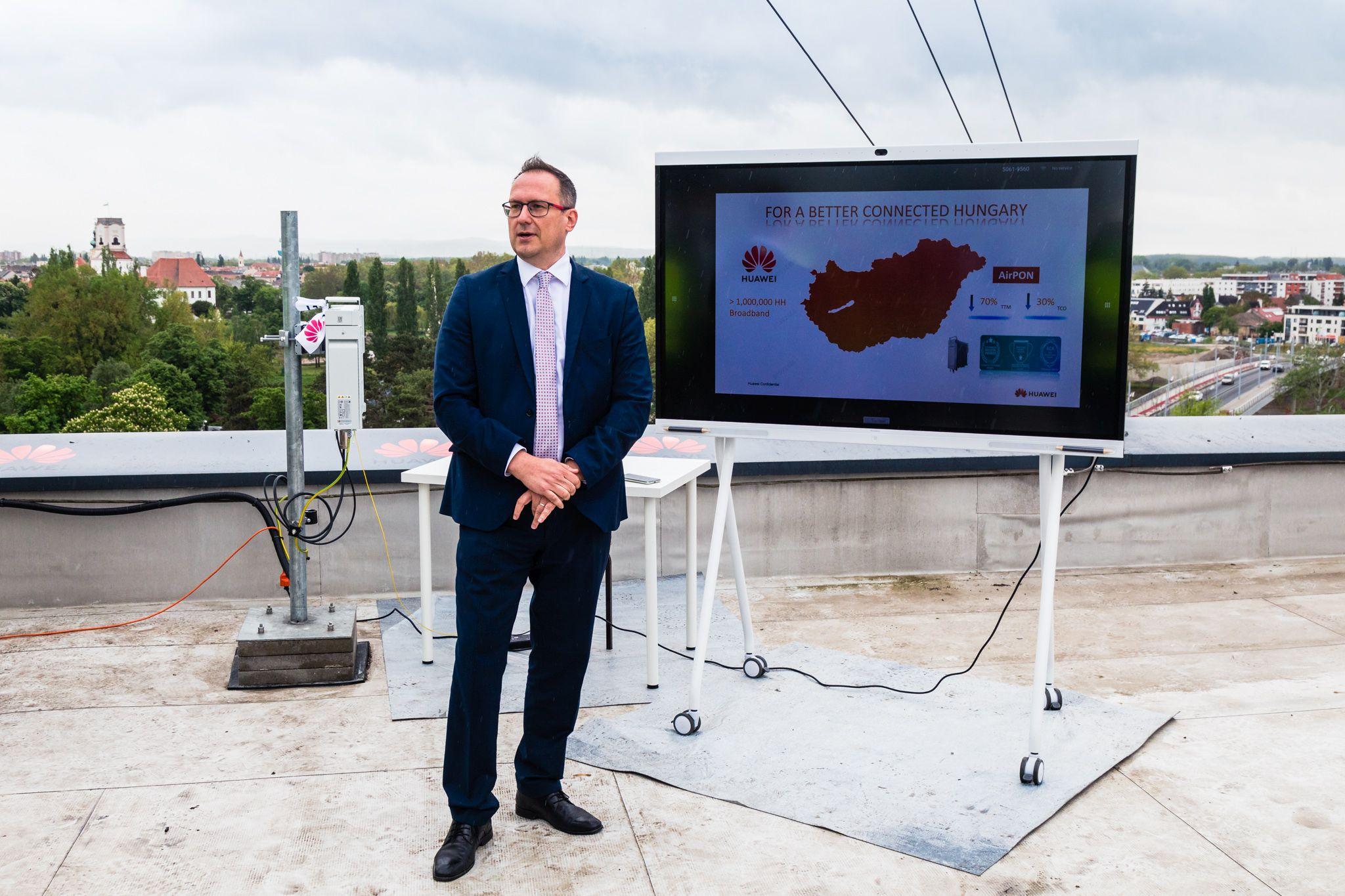Huawei presents new technology at Széchenyi István University